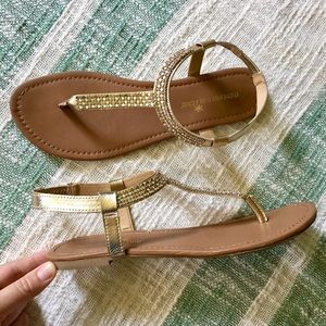 Montego Bay Club size 11 gold gem T strap sandal